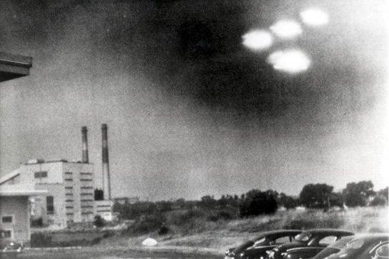 人类与外星人的战争 军方炮击UFO飞碟80 / 作者:伤我心太深 / 帖子ID:22645