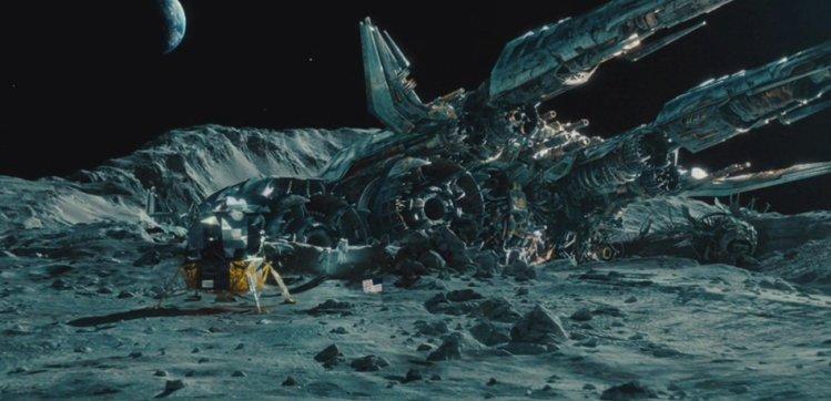 月球是外星人的基地 月球上的二战飞机就是劫持的证据42 / 作者:伤我心太深 / 帖子ID:22657
